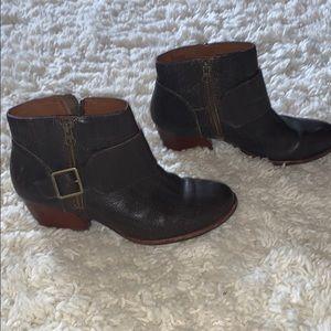 Kork-Ease brown  zip side booties size9